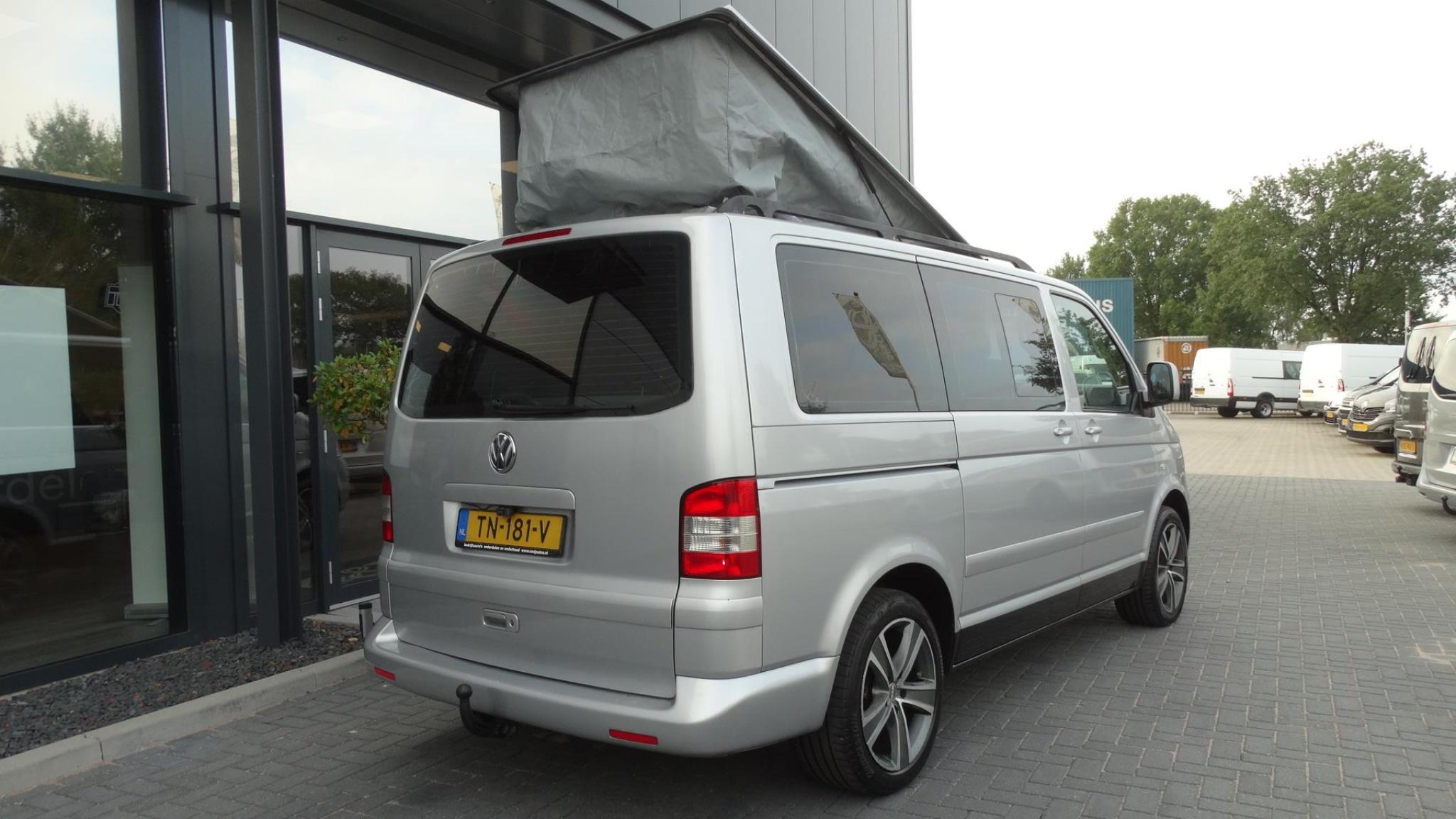 Volkswagen-Camper-13