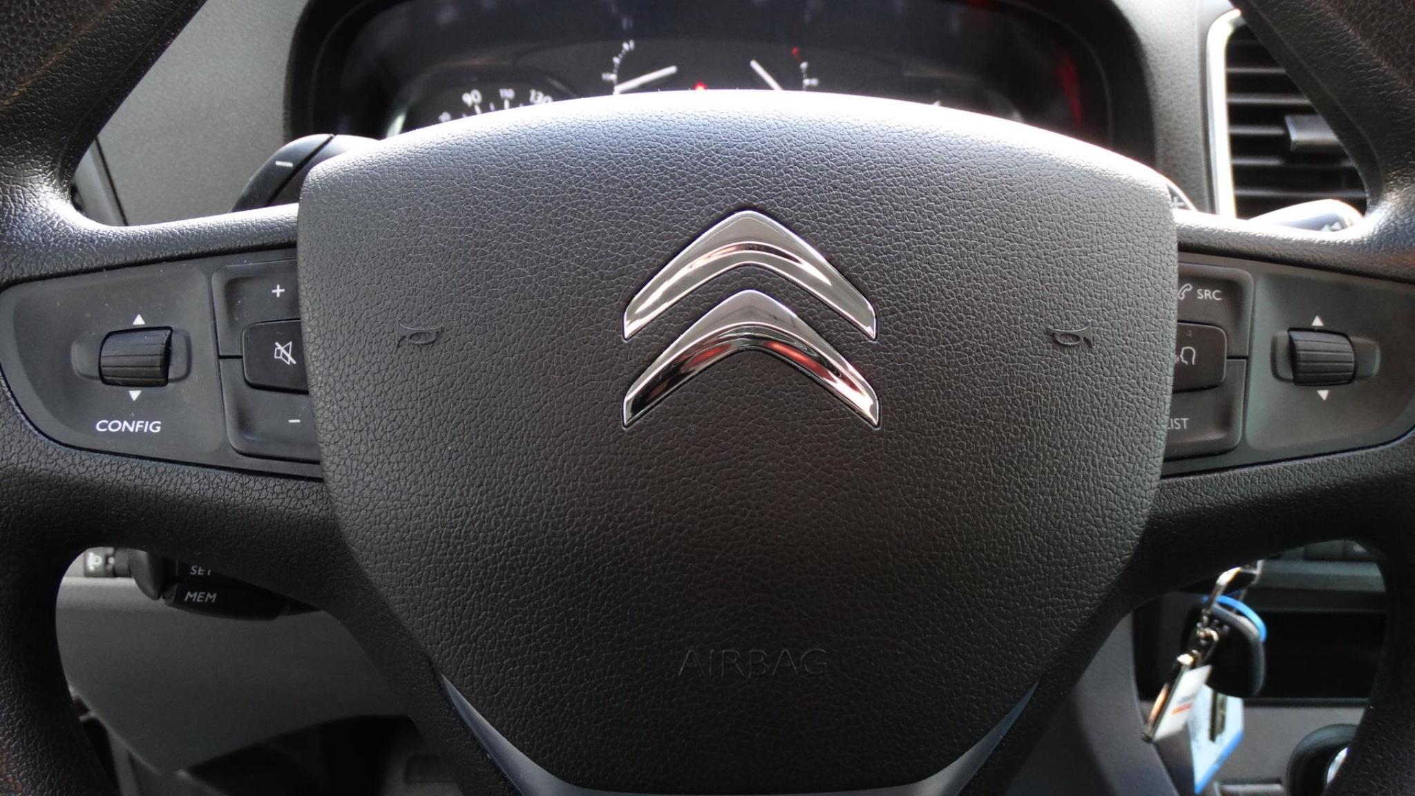 Citroën-Jumpy-12