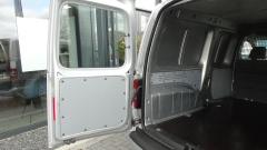Volkswagen-Caddy-25