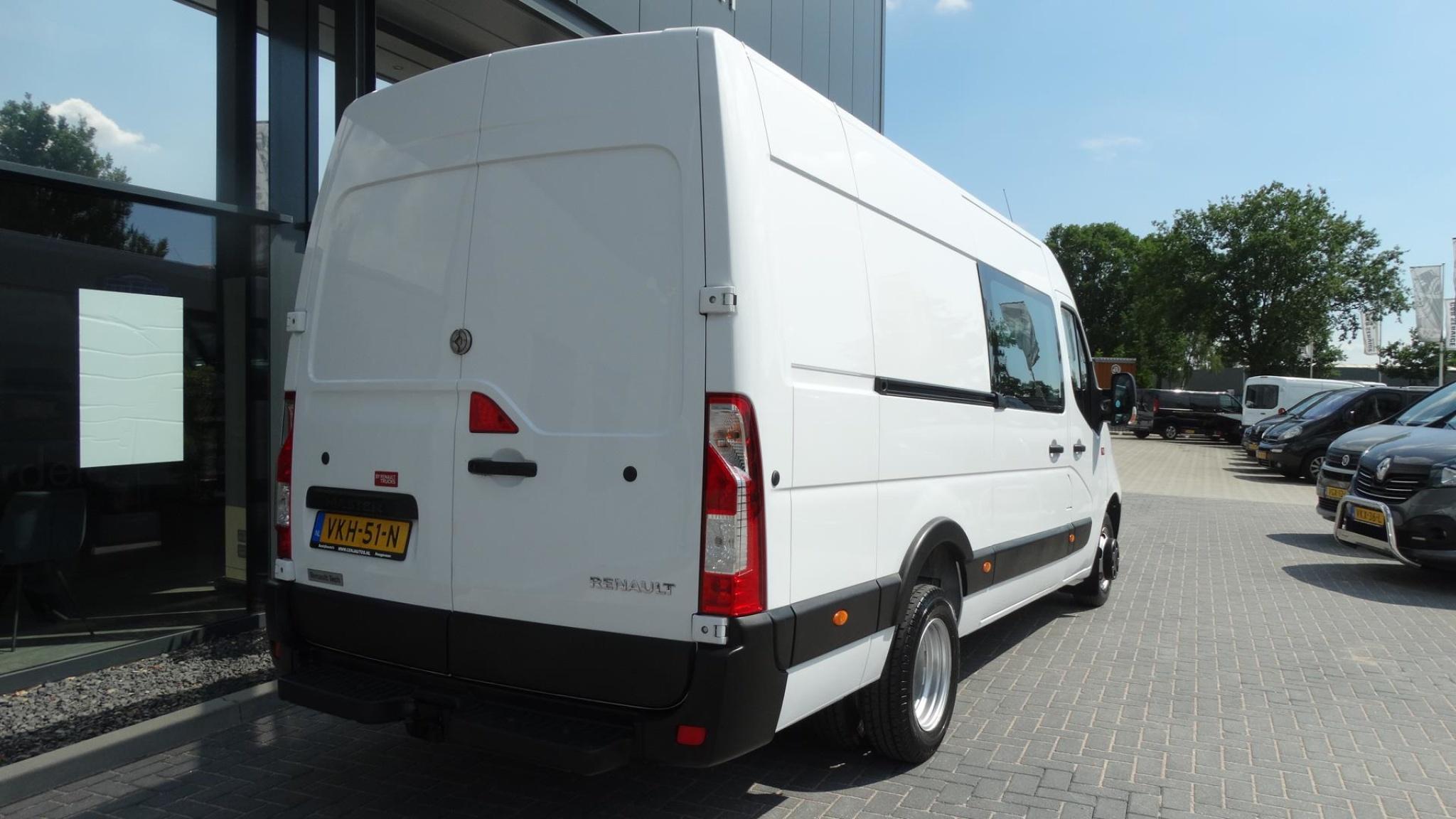 Renault-Master-6