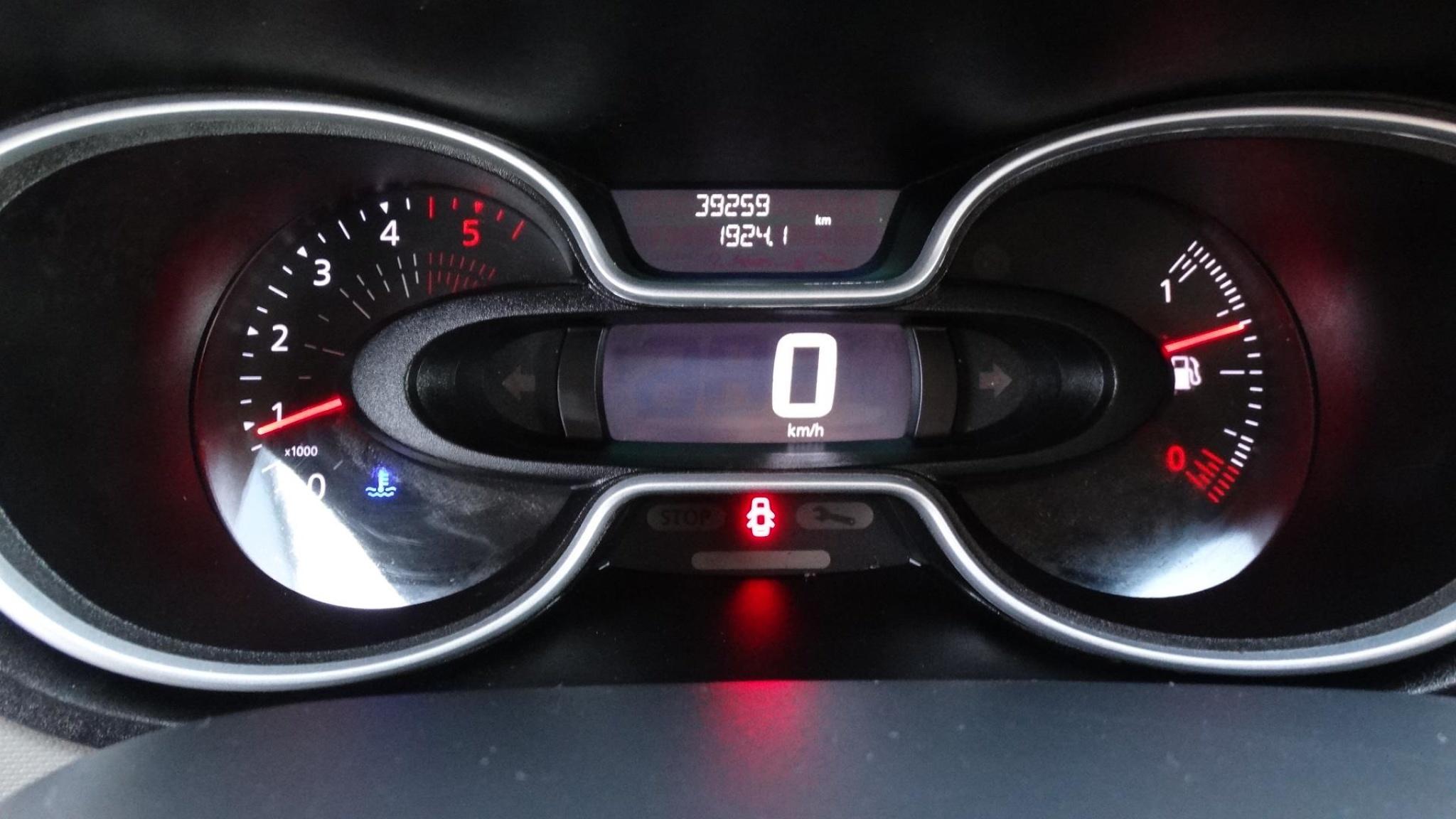 Renault-Trafic-10